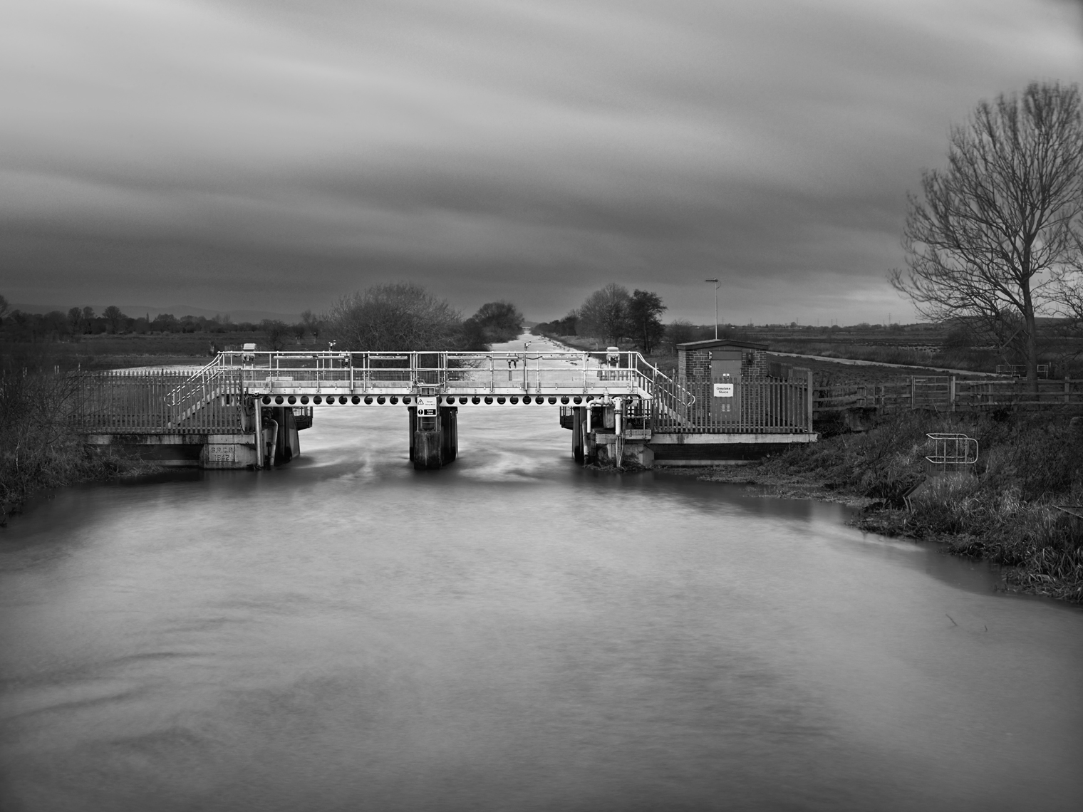 Jon Wyatt Photography - Greylake Sluice on sedgemoor Drain in Somerset