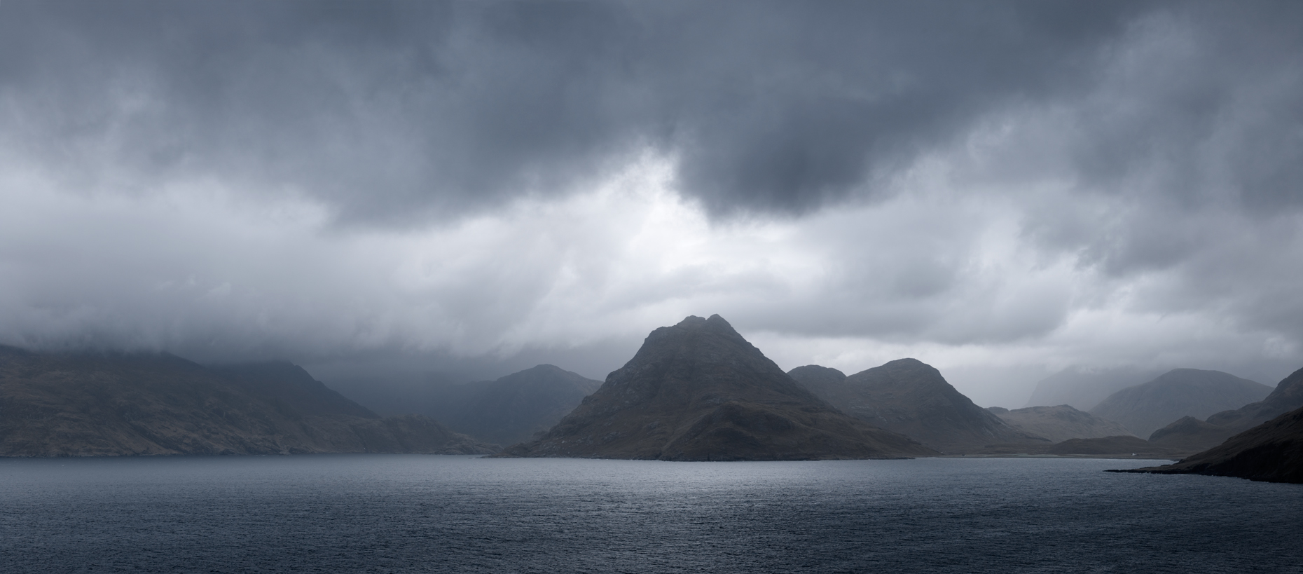 Jon Wyatt Photography - Heavy clouds over the Cuillin Mountains, Isle of Skye