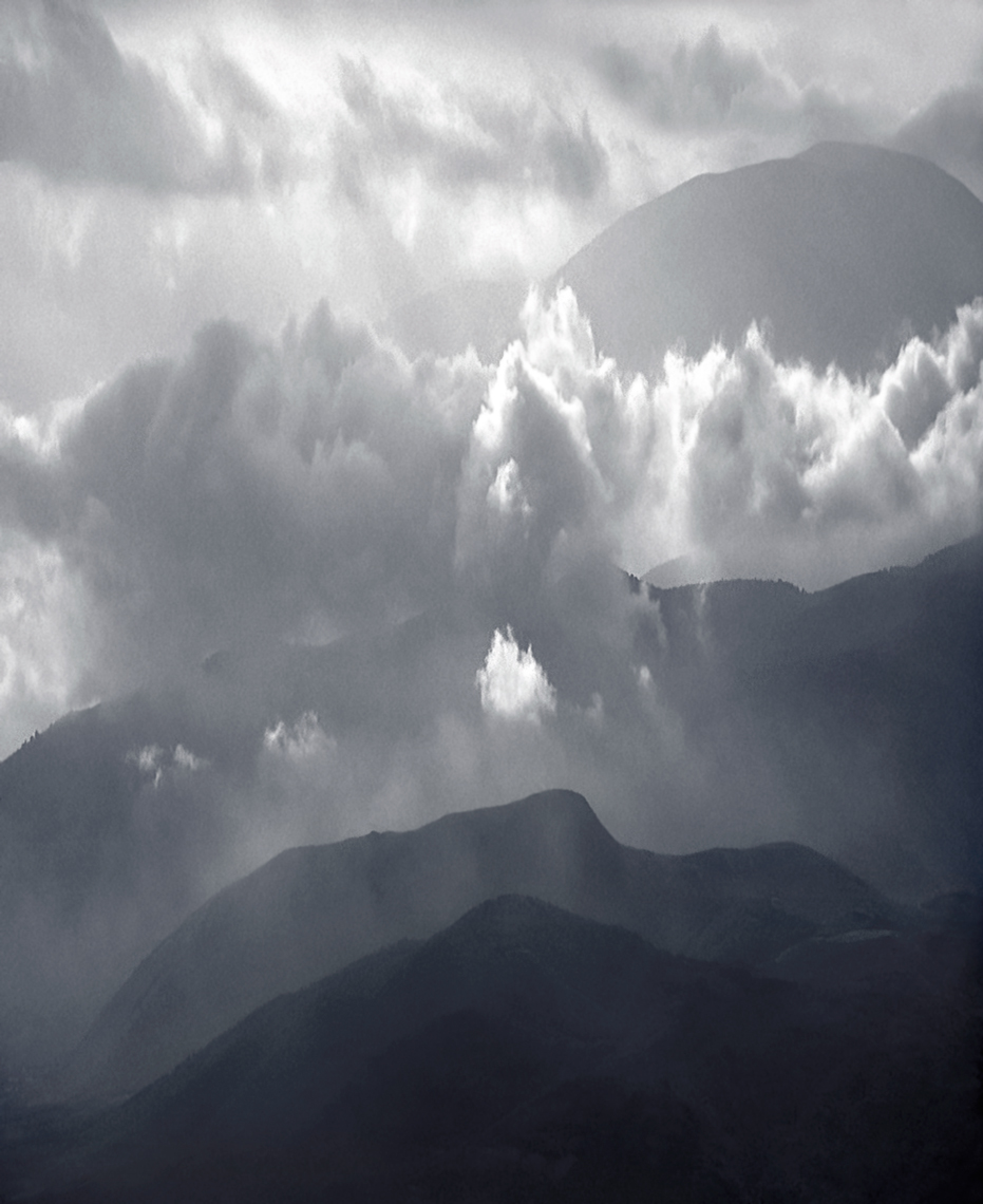 Jon Wyatt Photography - Sierra Nevada Mountains and clouds, Spain