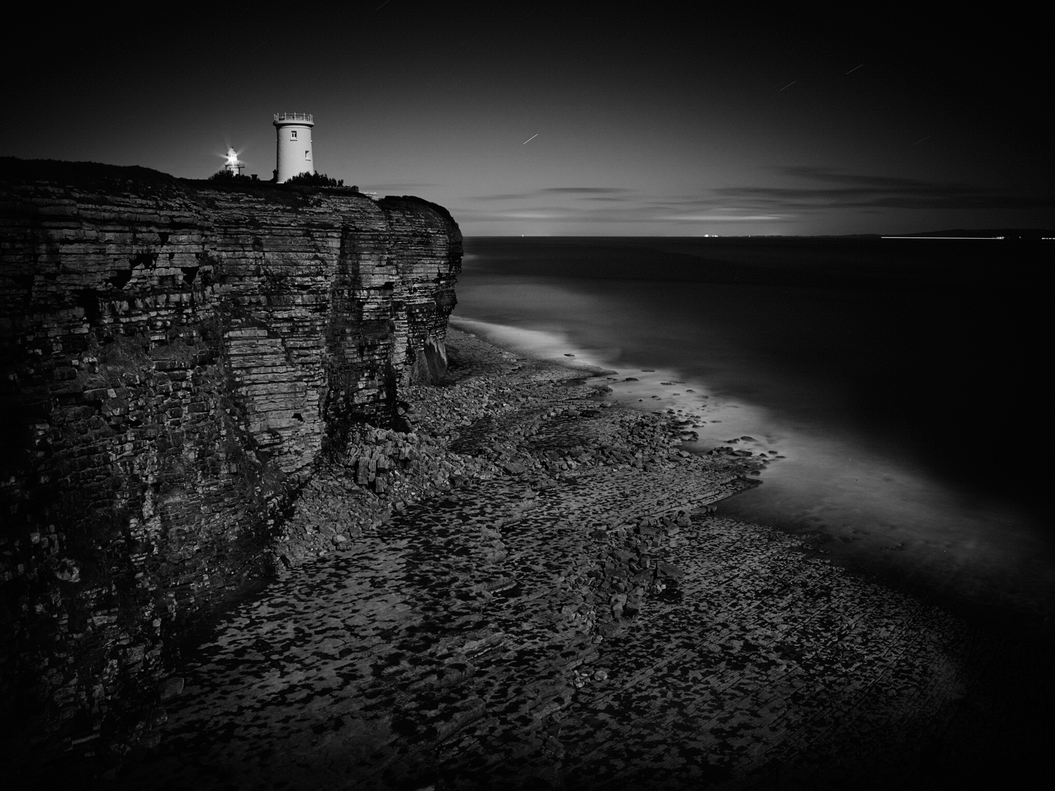 Jon Wyatt Photography - Nash Point cliffs and lighthouse in South Wales