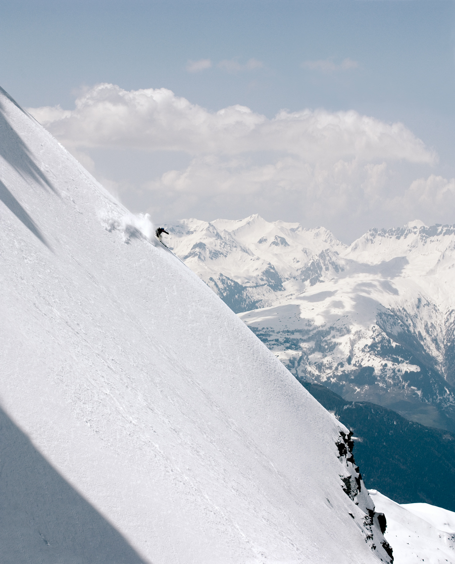 Jon Wyatt Photography - back country skier on steep slope in Sainte Foy Tarentaise, France